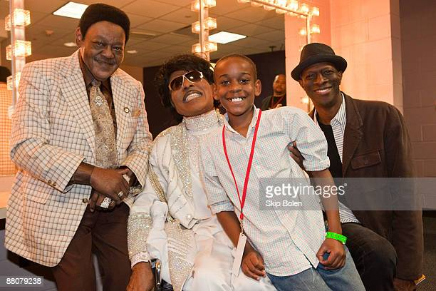 Little Richard poses backstage with Fats Domino Michael Martin and Keb Mo during the Domino Effect benefit concert at the New Orleans Arena on May 30...