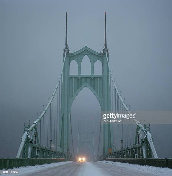 Little traffic on the bridge during the snow