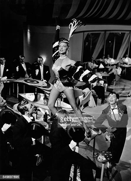 Litto Maria * Ballet dancer Germany in the film adaptation of Paul Abraham's operetta 'The Flower of Hawaii' direction Geza von Cziffra