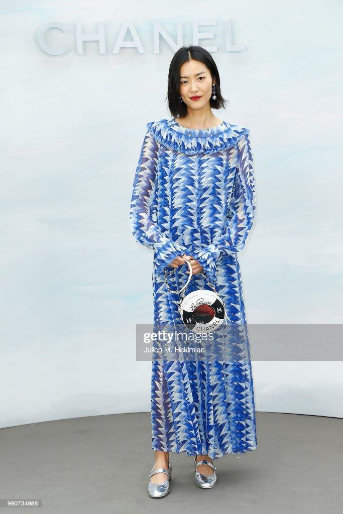 Chanel : Photocall - Paris Fashion Week - Haute Couture Fall Winter 2018/2019