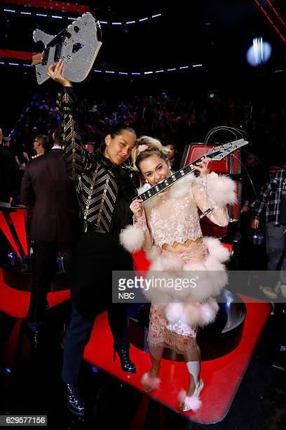THE VOICE Live Finale Episode 1118B Pictured Alicia Keys Miley Cyrus