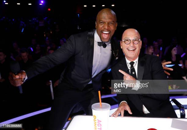 """S GOT TALENT """"Live Results Finale"""" Episode 1423 Pictured Terry Crews Howie Mandel"""
