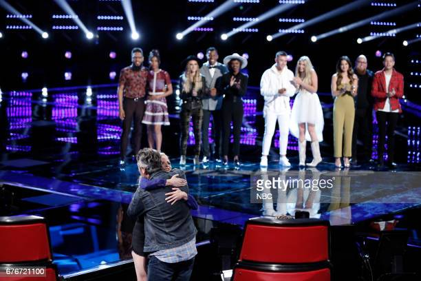 THE VOICE 'Live Top 11' Episode 1216B Pictured Foreground Blake Shelton Lauren Duski Background TSoul Aliyah Moulden Stephanie Rice Chris Blue...