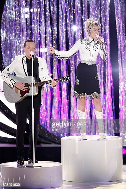 THE VOICE 'Live Top 12' Episode 1114B Pictured Aaron Gibson Miley Cyrus