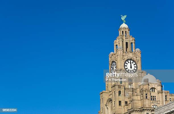 liver building and clock, liverpool, england - liverpool england stock pictures, royalty-free photos & images