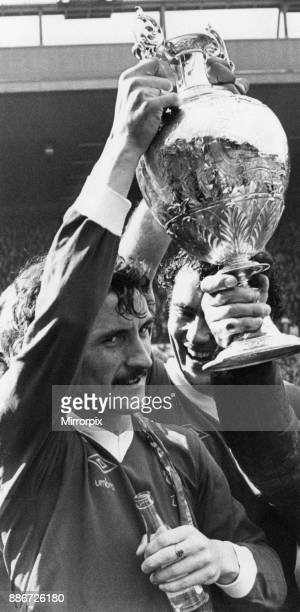 Liverpool 00 West Ham Division One League match at Anfield Saturday 14th May 1977 Terry McDermott lifts Division One Championship Trophy
