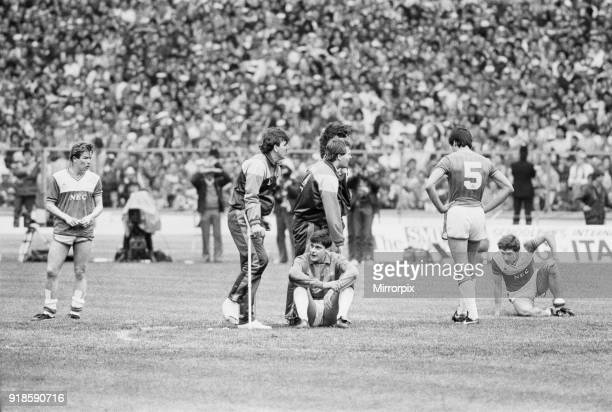 Liverpool 31 Everton FA Cup Final Wembley Stadium London Saturday 10th May 1986 Post Match Adrian Heath Neville Southall Bobby Mimms sitting on the...