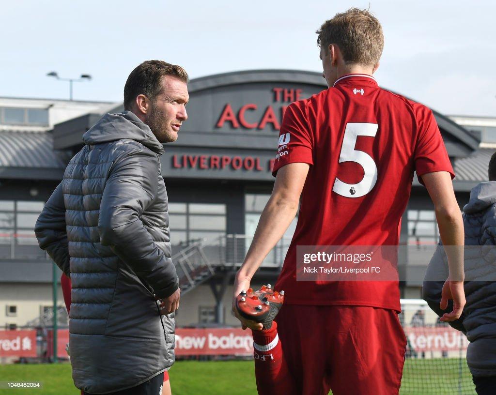 Liverpool v Manchester City: U18 Premier League : Nachrichtenfoto