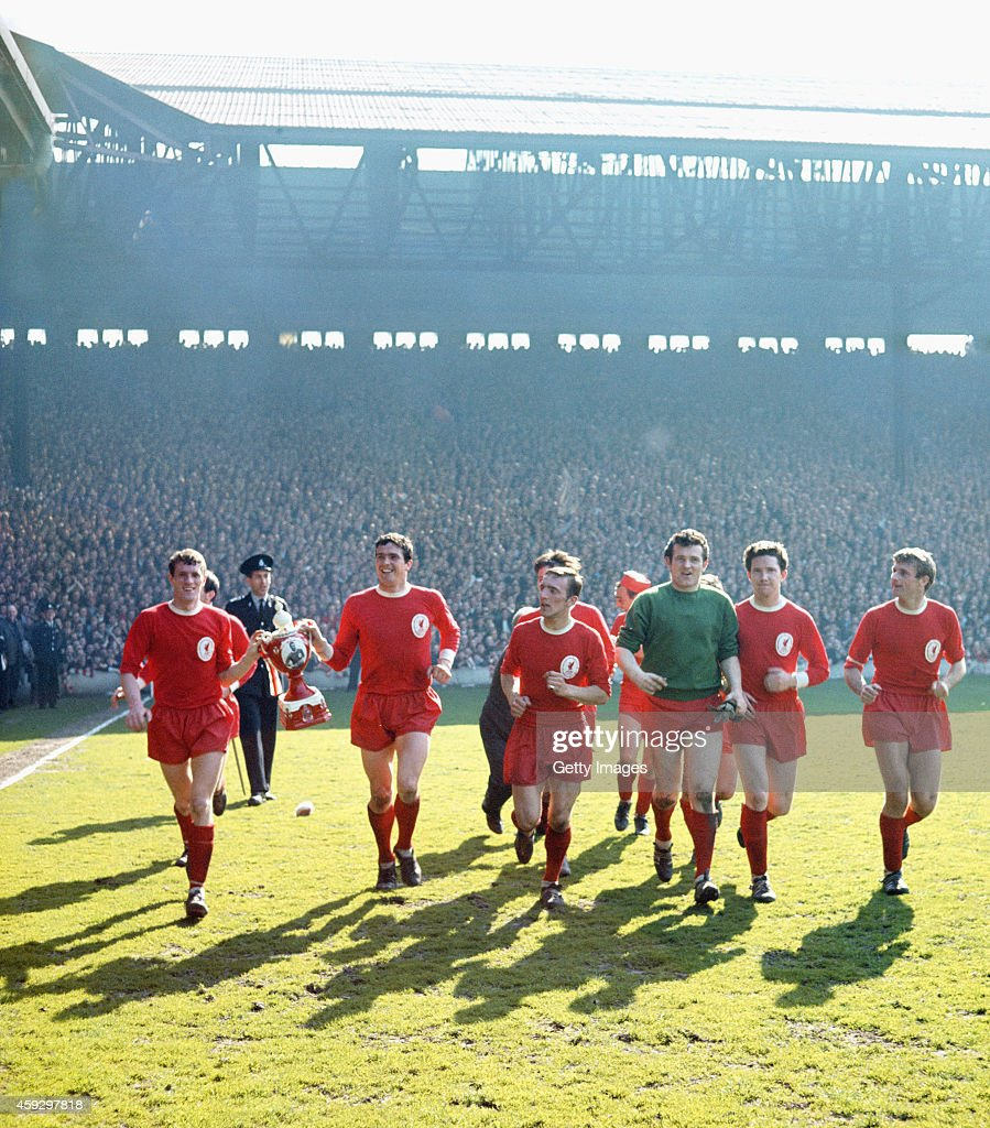 Liverpool League Division One Champions 1963/64 : News Photo