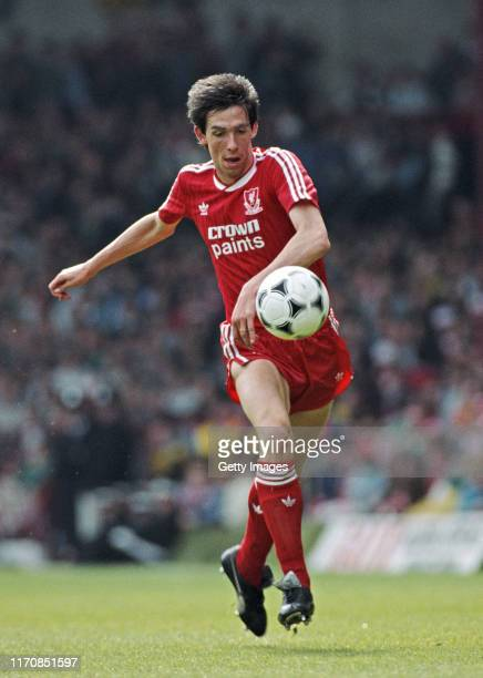 Liverpool defender Gary Ablett in action during a First Division match against Southampton at Anfield on May 2, 1988 in Liverpool, United Kingdom.
