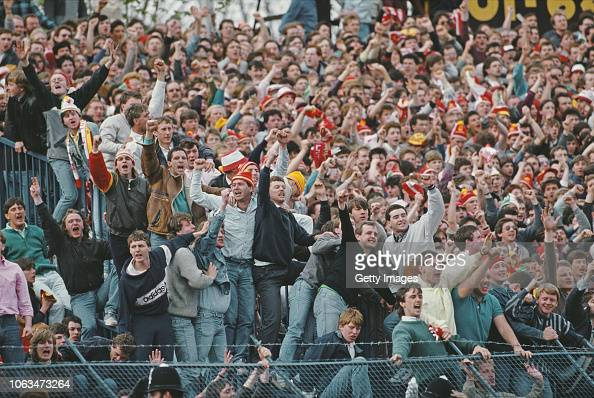 3 862 80s Football Fans Photos And Premium High Res Pictures Getty Images