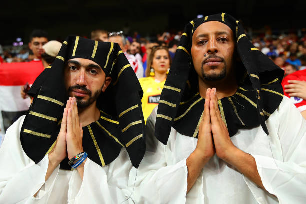 SUPER COUPE EUROPE UEFA 2019 Liverpool-fans-wearing-egyptian-head-dresses-show-their-support-prior-picture-id1161629423?k=6&m=1161629423&s=612x612&w=0&h=tl5nGLwTirv5QD449jKR_kVZILh60AG7wG4lhrXRjuo=