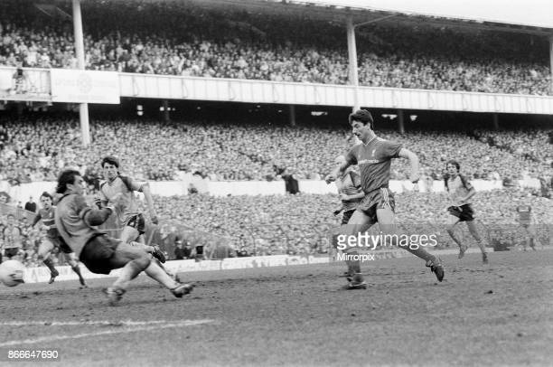 Liverpool FC 20 Southampton FC FA Cup Semi Final match at White Hart Lane Saturday 5th April 1986 Ian Rush scoring goal