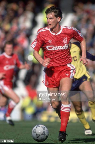 Liverpool FC defender Gary Gillespie playing at Anfield against Arsenal 1990