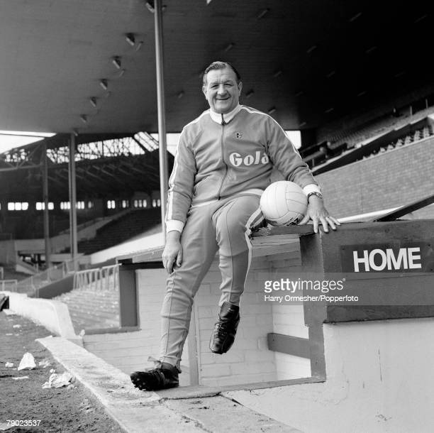 Liverpool FC manager Bob Paisley in the home dugout at Anfield in Liverpool, England, circa September 1974.