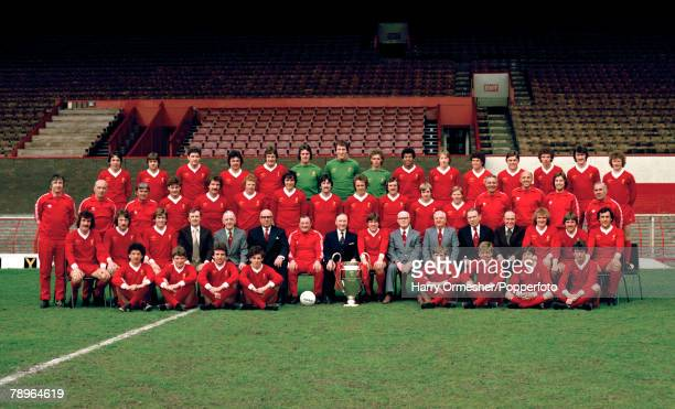 Liverpool FC players and officials line up for a team photograph with the European Cup at Anfield in Liverpool, England, circa July 1978. Back row :...