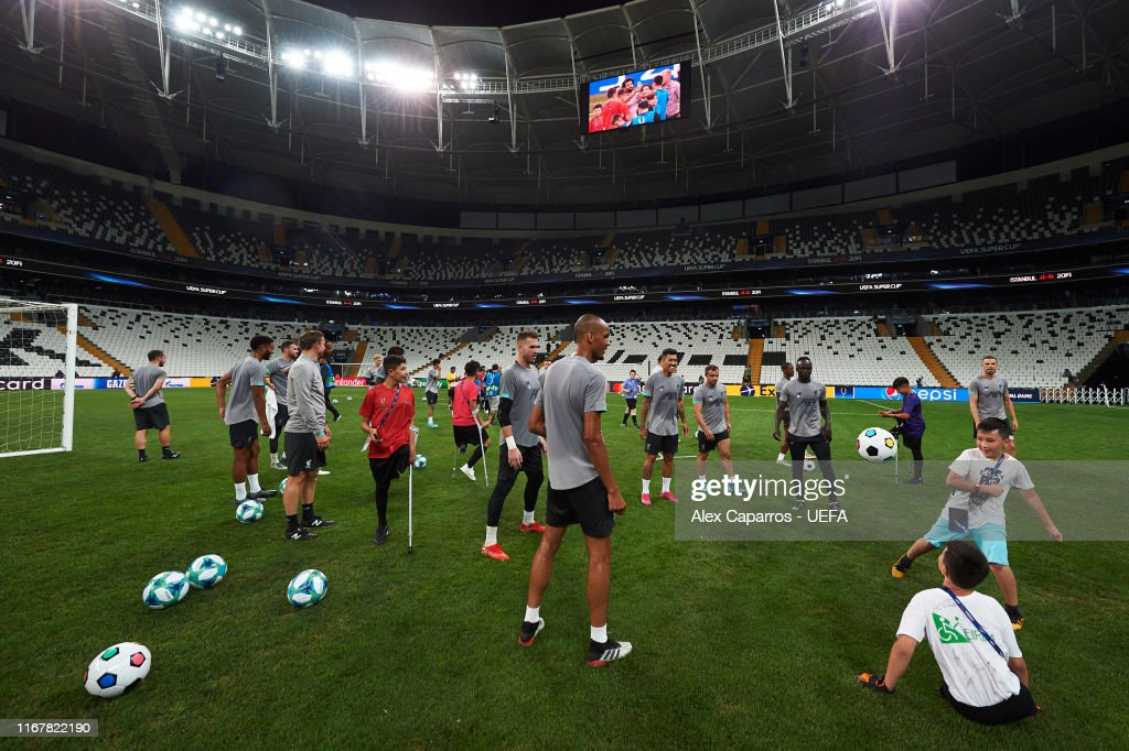 Liverpool v Chelsea: UEFA Super Cup Previews : News Photo