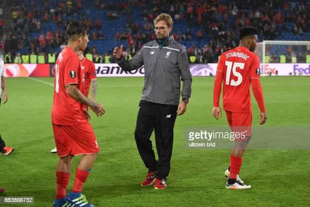 FUSSBALL UEFA FC Liverpool FC Sevilla Juergen Klopp und Roberto Firmino und Daniel Sturridge sind nach dem Abpfiff enttaeuscht