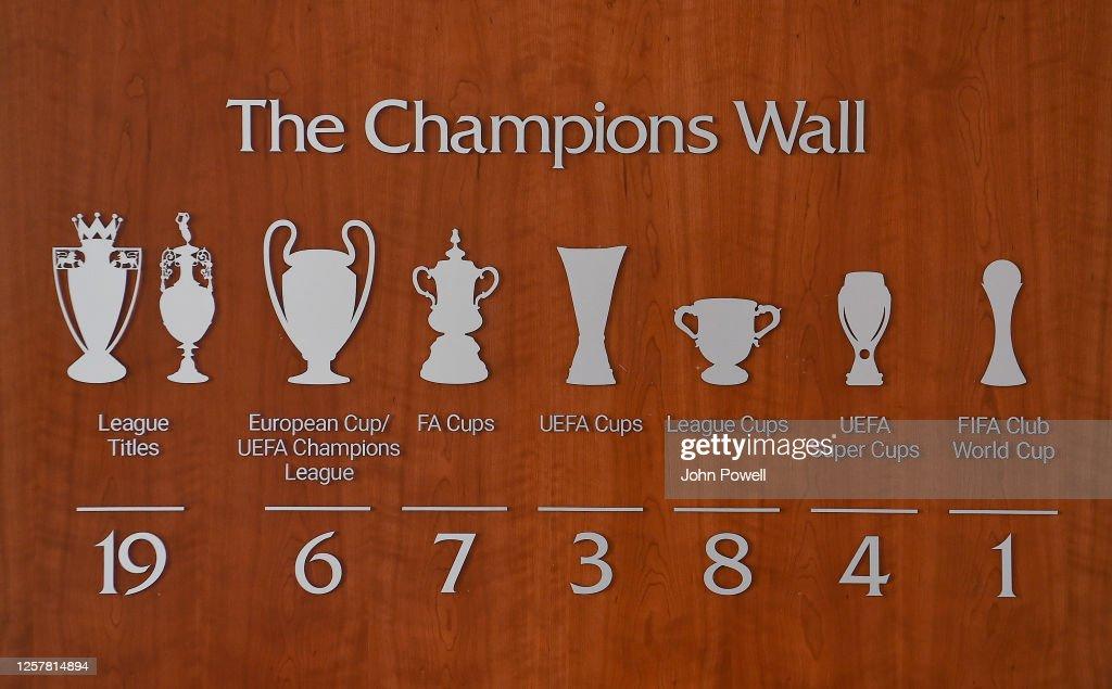 Liverpool Update the 'Champions Wall' at their Training Ground : Nachrichtenfoto