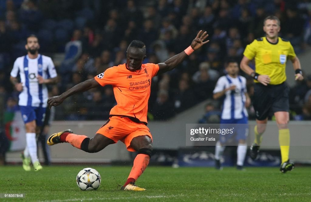 FC Porto v Liverpool FC - UEFA Champions League Round of 16 - First Leg : News Photo
