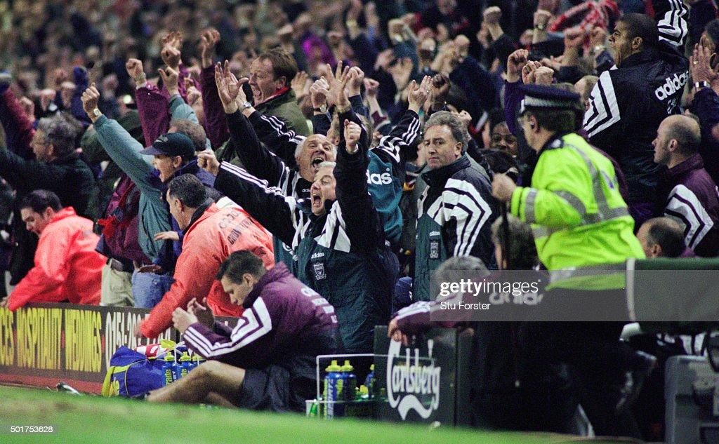 Liverpool 4-3 Newcastle United Premier League 1996 : News Photo