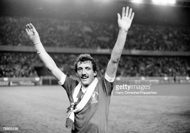 27th May 1981 Parc Des Princes Paris France European Cup Final Liverpool 1 v Real Madrid 0 Liverpool hero Alan Kennedy celebrates at the end of the...
