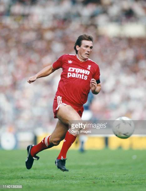 Liverpool player Kenny Dalglish in action during the FA Charity Shield match between Everton and Liverpool at Wembley Stadium on August 16 1986 in...