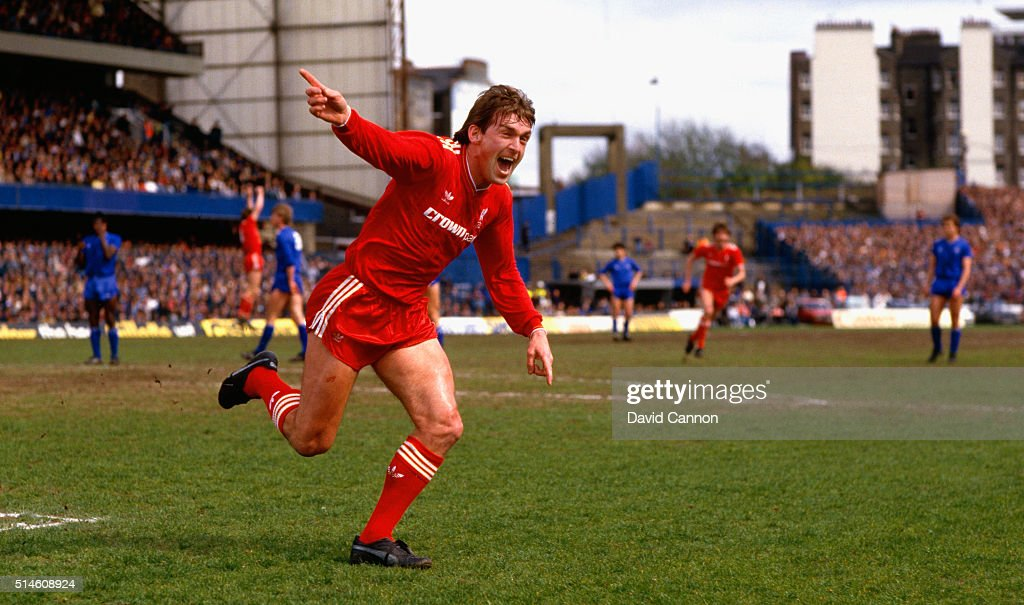 Chelsea v Liverpool 1986 - Liverpool Win The Championship : News Photo
