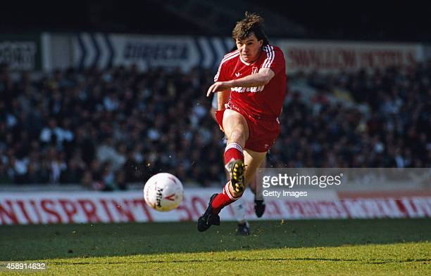 Liverpool player Ray Houghton in action during a match circa 1989.
