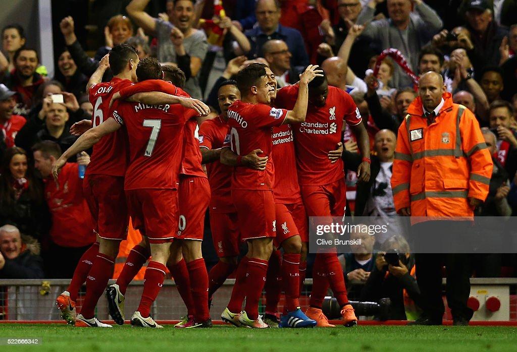 Liverpool v Everton - Premier League : News Photo