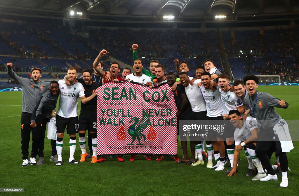https://media.gettyimages.com/photos/liverpool-players-hold-up-a-banner-bearing-liverpool-supporter-sean-picture-id953903922?k=6&m=953903922&s=594x594&w=0&h=9ybveeXYJ5Pb00aRZfgRIDvNMRaDCCfpkYS9TEyCFDg=