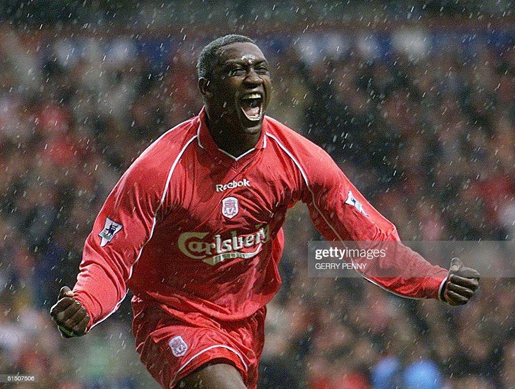 Liverpool striker Emile Heskey celebrates in the p : News Photo