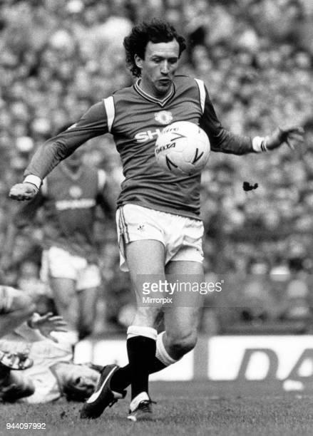 Liverpool v Manchester United, FA Cup Semi Final match at Goodison Park, 13th April 1985. John Gidman. Final score, Liverpool 2-2 Manchester United...