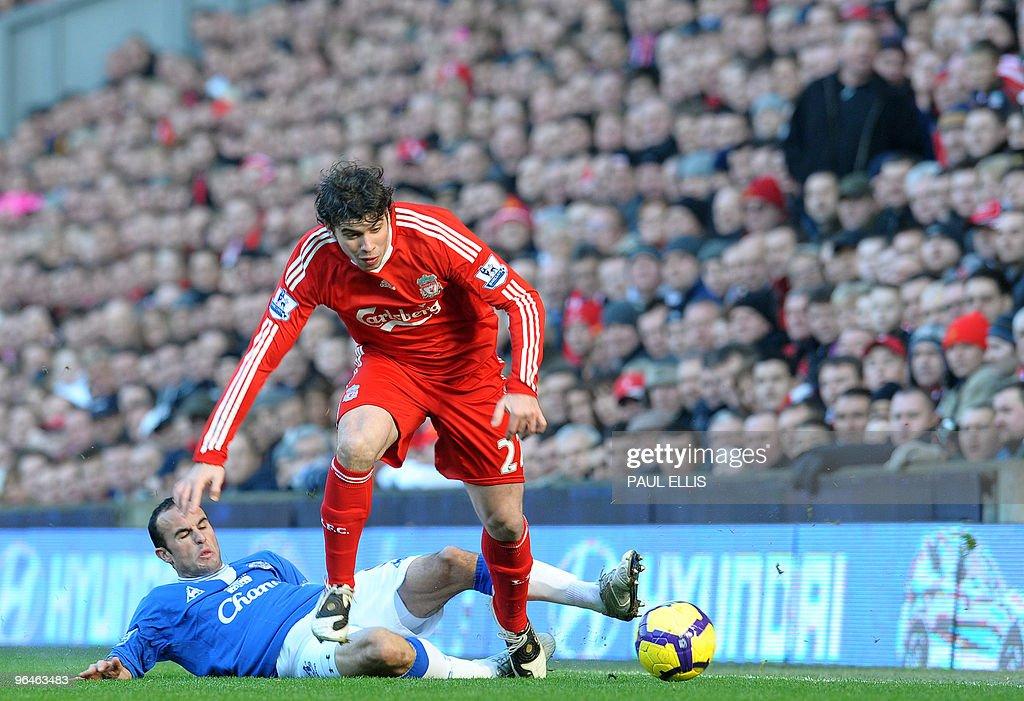 Liverpool's Argentinian defender Emilian : News Photo