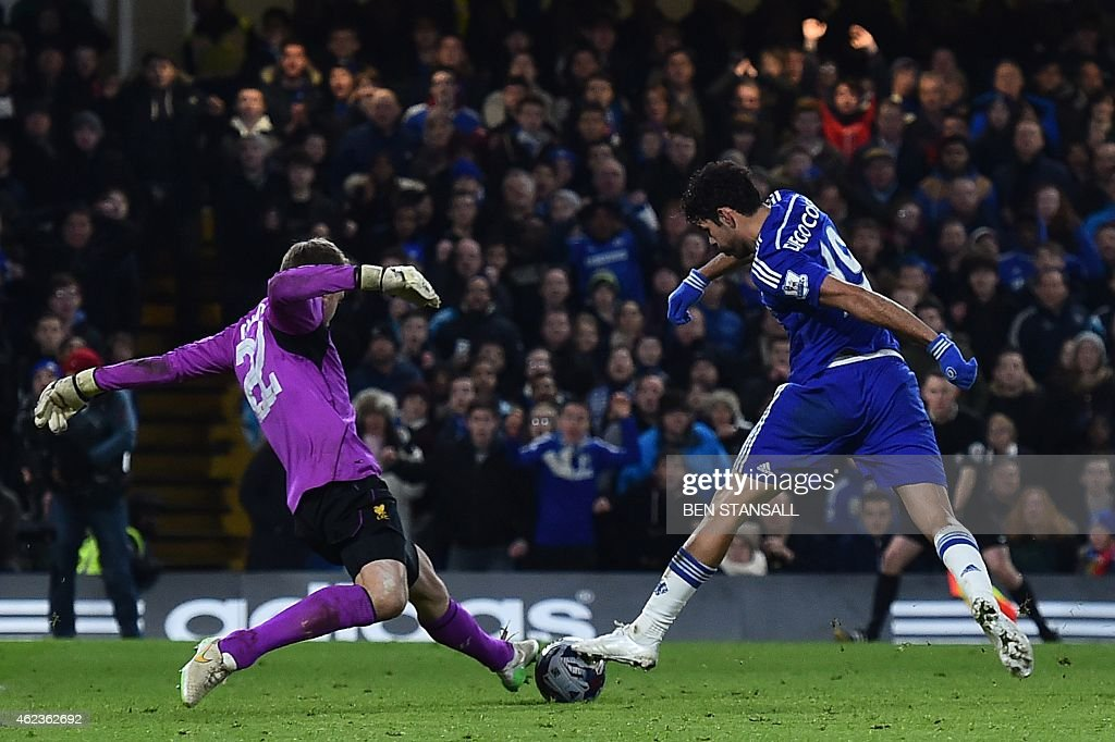FBL-ENG-LCUP-CHELSEA-LIVERPOOL : News Photo