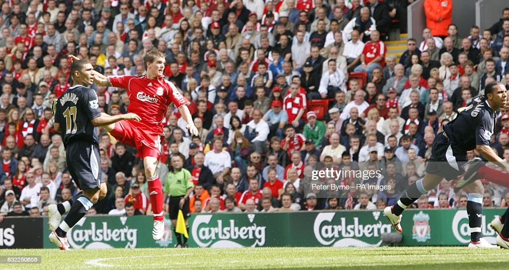 Soccer - FA Barclays Premiership - Liverpool v West Ham United - Anfield : News Photo