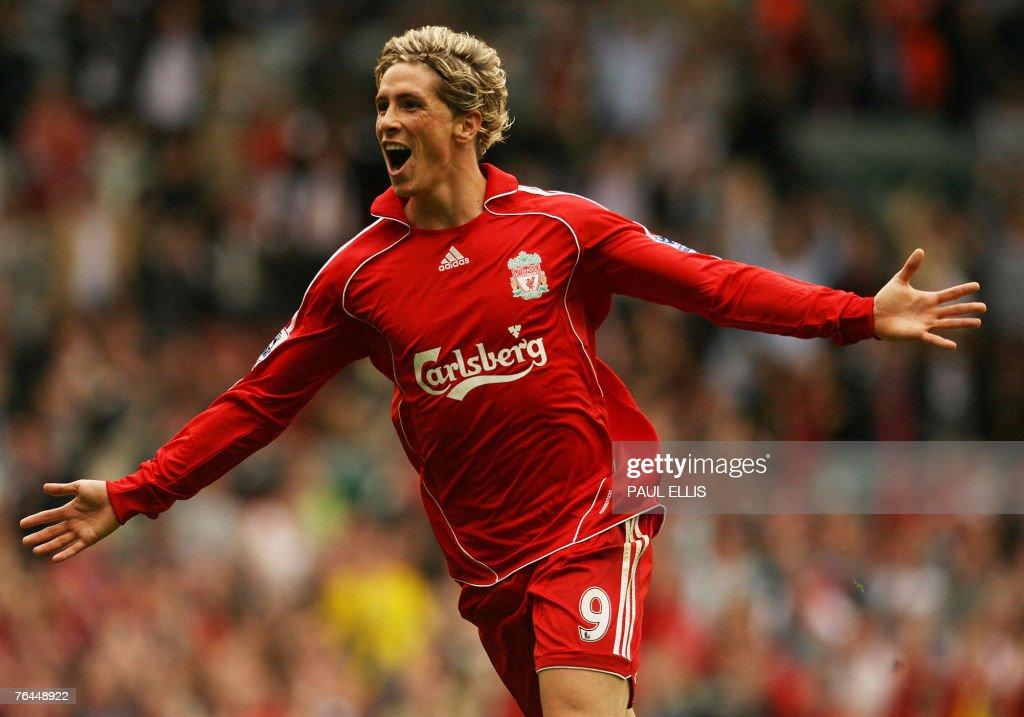 Liverpool's Fernando Torres celebrates s : News Photo