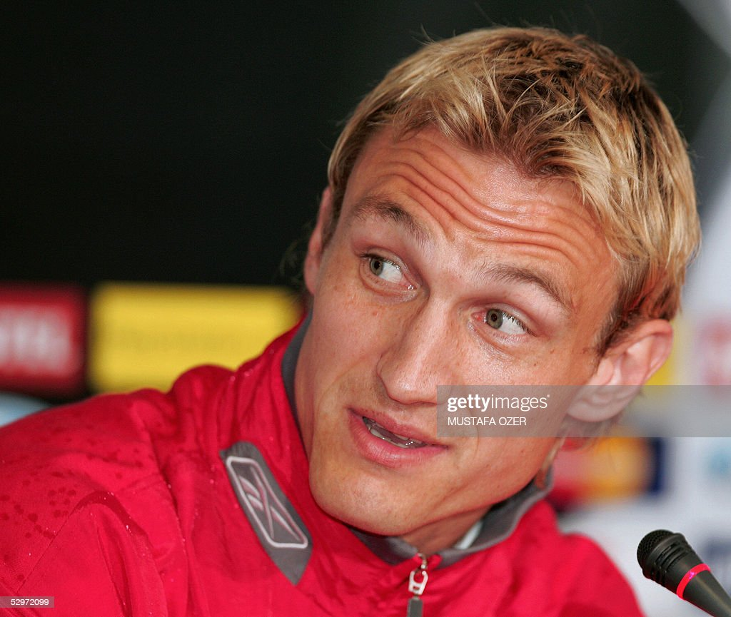 Liverpool's Finnish defender Sami HyYpia addresses media during a press conference before the training session, on the eve of the European Champions League football final match opposing Liverpool of England to AC Milan of Italy at the Ataturk Olympic Stadium in Istanbul, 24 May 2005. AFP PHOTO