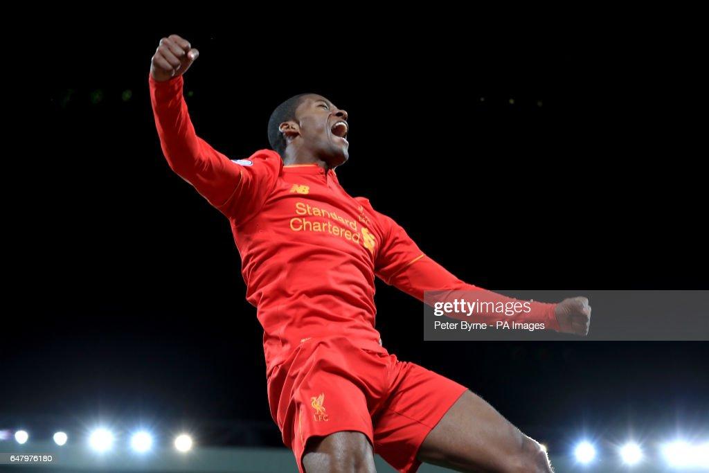 Liverpool v Arsenal - Premier League - Anfield : News Photo