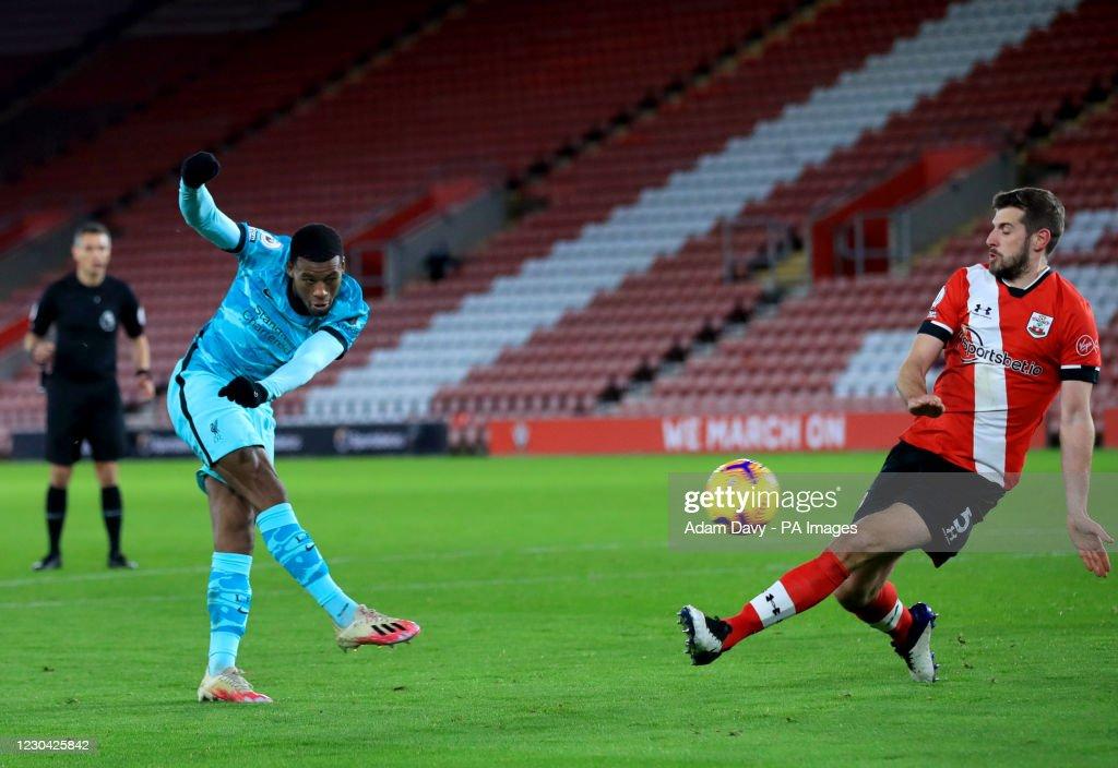 Southampton v Liverpool - Premier League - St Mary's Stadium : Photo d'actualité