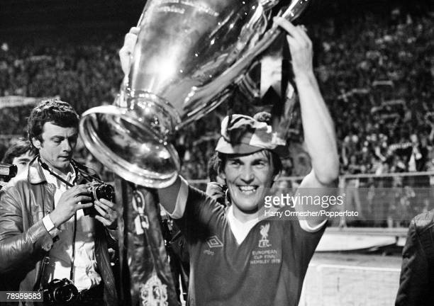 Football 10th May 1978 Wembley England European Cup Final Liverpool 1 v FC Brugges 0 A jubilant goalscorer Kenny Dalglish triumphantly lifts the...