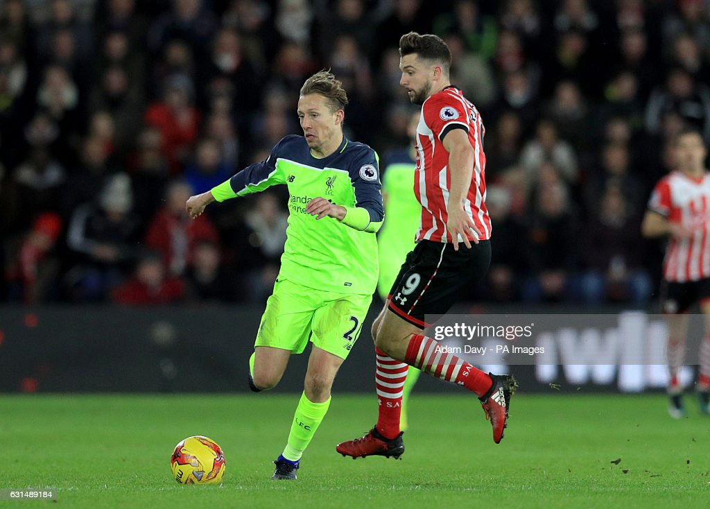 Southampton v Liverpool - EFL Cup - Semi Final - First Leg - St Mary's Stadium : News Photo