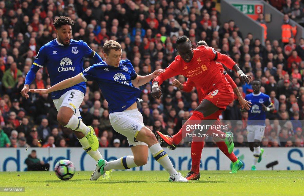 Liverpool v Everton - Premier League - Anfield : News Photo