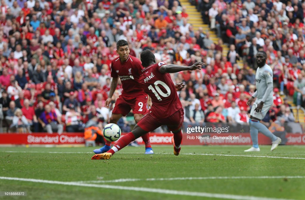 Liverpool FC v West Ham United - Premier League : News Photo