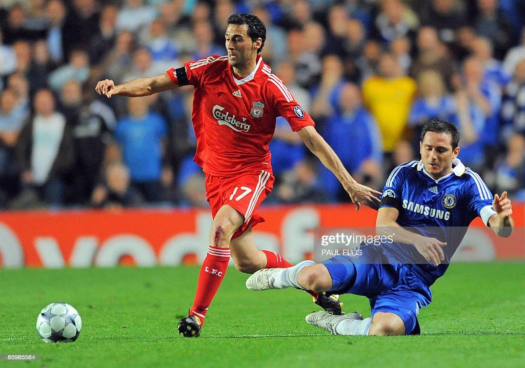 Liverpool's Spanish defender Álvaro Arbe : ニュース写真