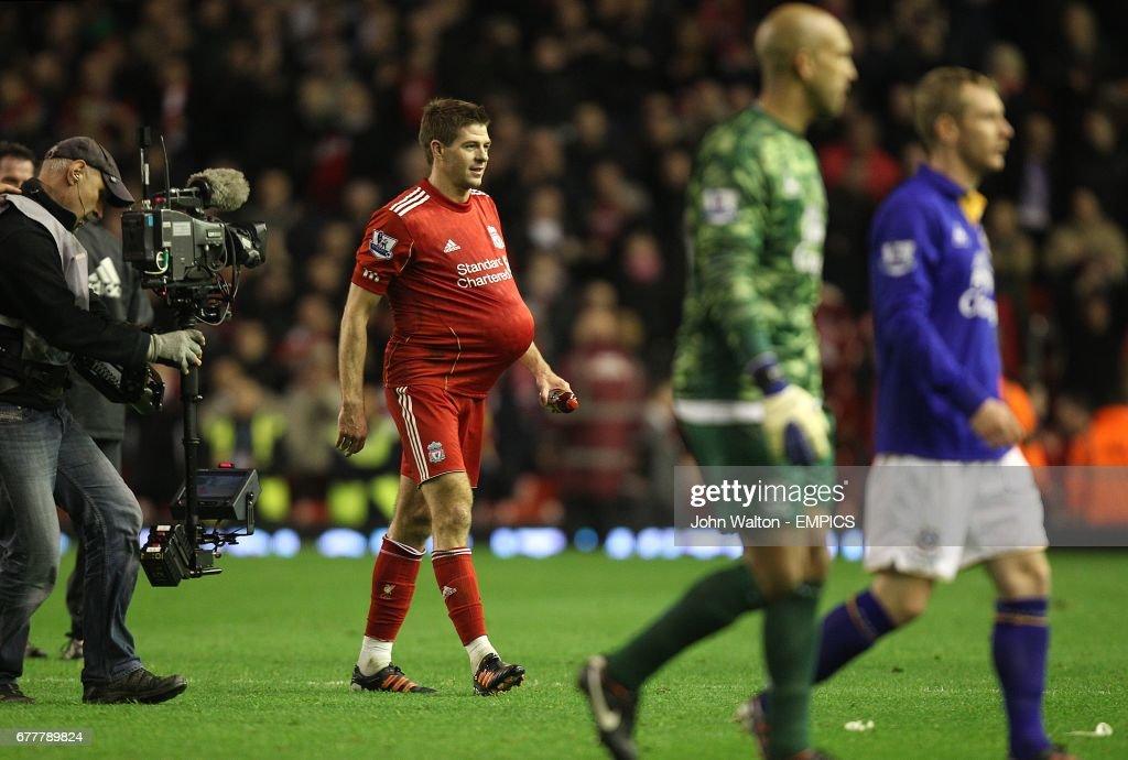Soccer - Barclays Premier League - Liverpool v Everton - Anfield : News Photo