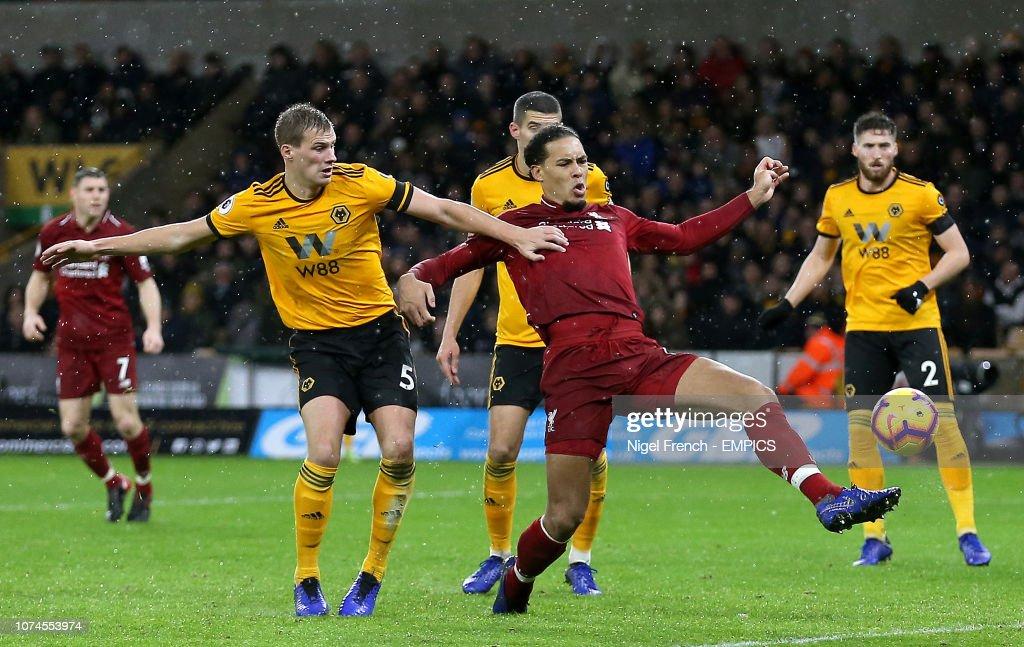 Wolverhampton Wanderers v Liverpool - Premier League - Molineux : News Photo