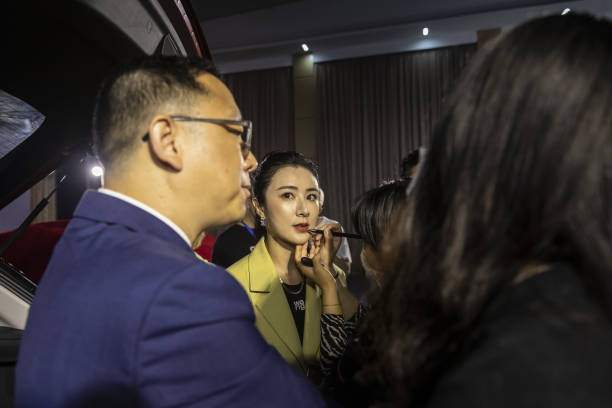 CHN: China's LiveStream Queen Viya Can Sell Anything