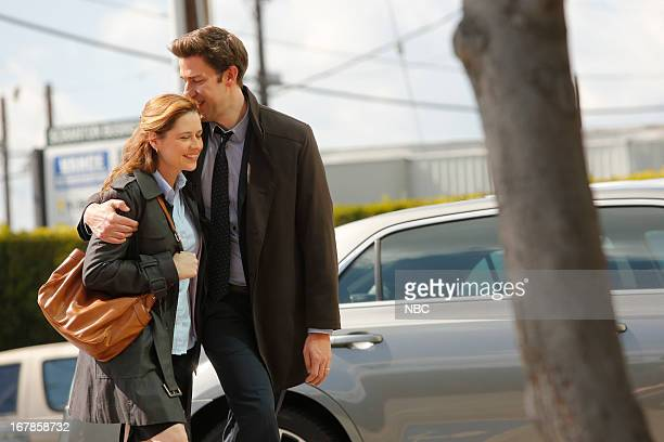 """Livin' The Dream"""" Episode 921 -- Pictured: Jenna Fischer as Pam Beesly Halpert, John Krasinski as Jim Halpert --"""