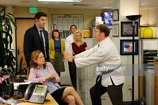 """Livin' The Dream"""" Episode 921 -- Pictured: Jenna Fischer as Pam Beesly Halpert, John Krasinski as Jim Halpert, Kate Flannery Meredith Palmer, Oscar..."""